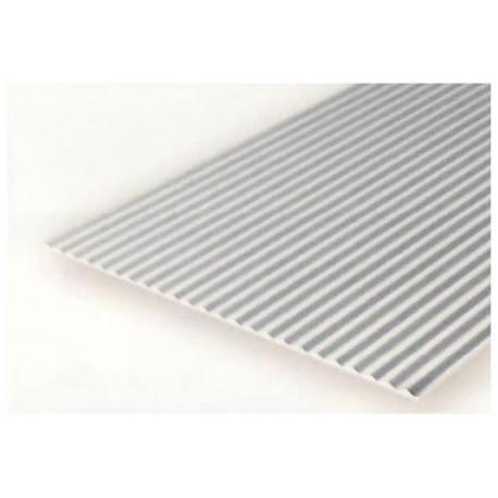Plancha metal corrugado 1.00 profundidad y 0.75 distancia entre surcos, 15 x 30 mm. De Estireno. Marca Evergreen. Ref: 4525.