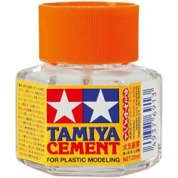 Plastic Cement mini, Adhesivo de Poliestireno. Bote de 20 ml. Marca Tamiya. Ref: 87012.