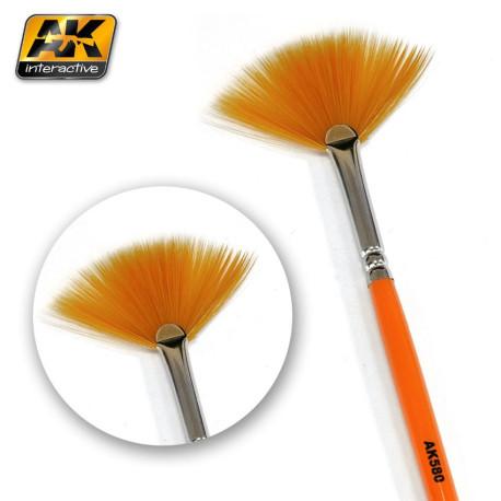 Fan Shape Weathering Brush. Marca AK-lnteractive. Ref: AK580.