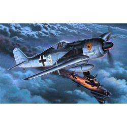 Avión de Combate Focke-Wulf FW 190 A-8/R11 . Escala 1:72. Marca Revell. Ref: 04165.