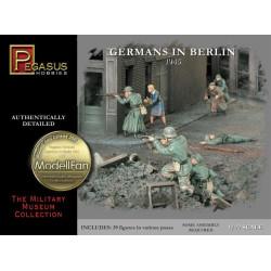 Alemanes en Berlín 1945. Escala 1:72. Marca Pegasus. Ref: PG7228.