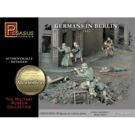 1Alemanes en Berlín 1945. Escala 1:72. Marca Pegasus. Ref: PG7228.
