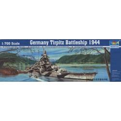 Alemania Tirpitz del acorazado 1944. Escala: 1:700. Marca: Trumpeter. Ref: 05712.
