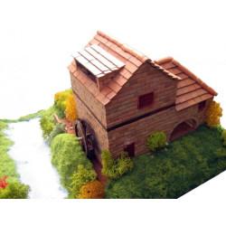 Casa rural con molino. Viviendas Populares. Marca Keranova. Ref: 30314.