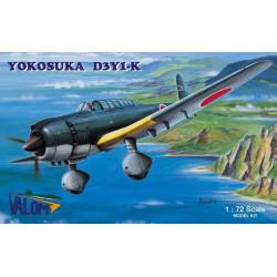 Set avión Yokosuka D3Y1.k. Escala 1:72. Marca Valom. Ref: 72002.