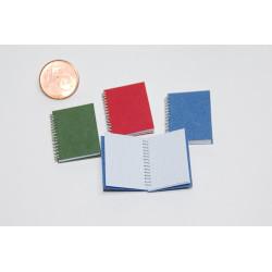 Cuaderno espiral granate. Accesorio para casas de muñecas. Escala 1:12.