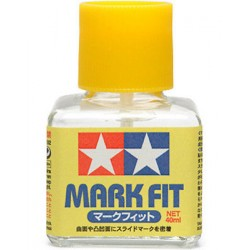 Mark Fit Strong, Ablandador de calcas. Bote de 40 ml. Marca Tamiya. Ref: 87135.