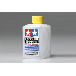 Lacquer Thinner, Disolvente universal. Bote 250 ml. Marca Tamiya. Ref: 87077.
