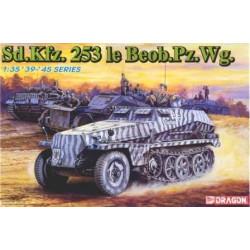 Carro de combate, Sd.Kfz.253 le Beob.Pz.Wq , WWII.  Escala 1:35. Marca Dragon. Ref: 6140.