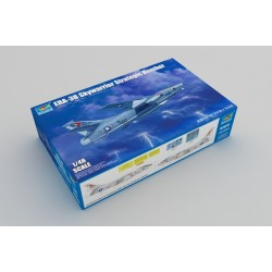 ERA-3B Skywarrior Strategic Bomber. Escala 1:48. Marca Trumpeter. Ref: 02873.