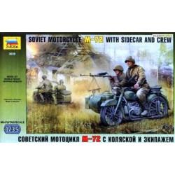 Figuras Soviet Motocicleta M-72, WWII. Escala 1:35. Marca Zvezda. Ref: 3639.