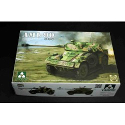 French Light Armoured car AML-90. Escala 1:35. Marca Takom. Ref: 02077.