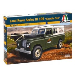 Land Rover serie III 109, guardia civil.  Escala 1:35. Marca Italeri. Ref: 6542.