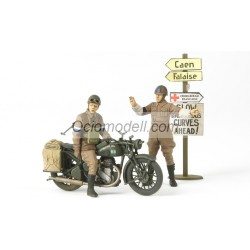 Set British BSA M20 Motorcycle - w/Military Police. Escala 1:35. Marca Tamiya. Ref: 35316.