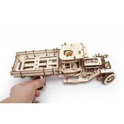 Camión UGM-11, madera contrachapada, Kit de montaje, Escala 1:32. Marca Ugears, Ref: 70015.