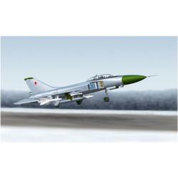Interceptor Su-15 UM Flagon-G. Escala 1:72. Marca Trumpeter. Ref: 01625.