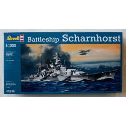 Buque Scharnhorst. Escala: 1:1200. Marca: Revell. Ref: 05136.