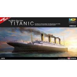 Buque de pasajeros R.M.S Titanic 1914. Escala: 1:400. Marca: Academy. Ref: 14215.