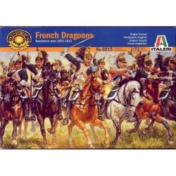 Figuras de la Caballería Pesada Francesa: Dragones 1805. Escala 1:72. Marca Italeri. Ref: 6015.