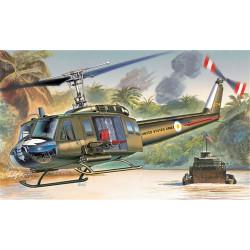 Helicóptero UH-1D Iroquois. Escala 1:72. Marca Italeri. Ref: 1247.