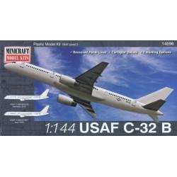 Boeing C-32B USAF. Escala 1:144. Marca Minicraft. Ref: 14696.