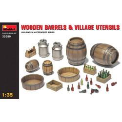 Accesorios, barriles de madera y utensilios rurales. Escala 1:35. Marca Miniart. Ref: 35550.