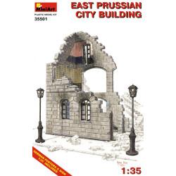 Edificio del este de Prusia en ruinas . Escala 1:35. Marca Miniart. Ref: 35501.