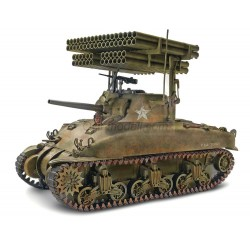 Sherman M4A1 Screamin' Mimi. Escala 1: 32. Marca Monogram. Ref: 17863.