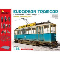 Tranvía con pasajeros, EUROPEAN TRAMCAR /CREW & PASSENGERS. Escala 1:35. Marca Miniart. Ref: 38009.
