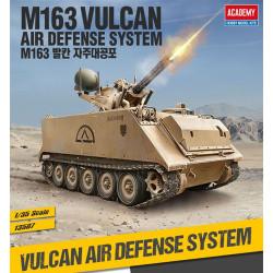 CARRO DE COMBATE, M163 Sistema de defensa aérea Vulcan. Escala 1:35. Marca Academy. Ref: 13507.