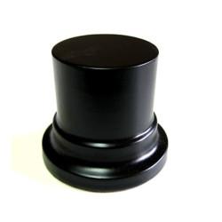 Peana Pedestal 50mm de altura, parte superior 4,5cm. Realizado en MDF, lacado Negro. Marca Peanas.net. Ref: 8001N.