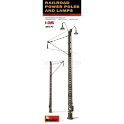 Railroad power poles and lamps. Escala 1:35. Marca Miniart. Ref: 35570.
