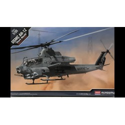 "Helicóptero USMC AH-1Z ""Shark Mouth"". Escala 1:35. Marca Academy. Ref: 12127."