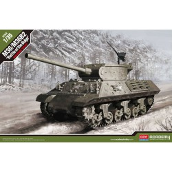 "M36/M36B2 ""Battle of the Bulge"". Escala 1:35. Marca Academy. Ref: 13501."