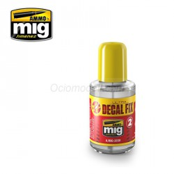 ULTRA DECAL - FIX. Bote 30 ml. Marca Ammo Mig. Ref: AMIG2030.