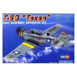"""T-6G """" TEXAN """", con calcas españolas. Escala 1:72. Marca Hobby boss. Ref: 80233E."""