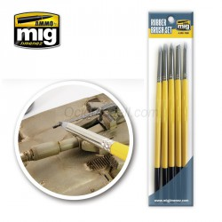 RUBBER BRUSH SET. Pack de 5 pinceles. Marca Ammo of Mig Jimenez. Ref: AMIG7606.