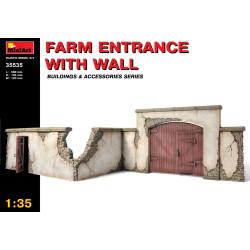 Entrada a granja con muro. Escala 1:35. Marca Miniart. Ref: 35535.