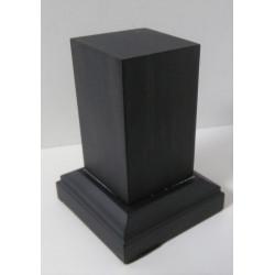 Peana Pedestal 65mm altura, Cuadrada 5 x 5 cm, Ebano. Tapizado inferior. Marca Peanas.net. Ref: 6102E.
