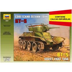 BT-5 Soviet light tank. Calcas españolas. Escala 1:35. Marca Zveda. Ref: 3507E.