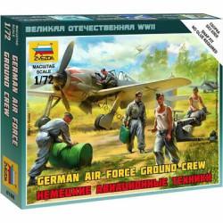 Pilotos y personal de aeródromo Luftwaffe. WWII. Escala 1:72. Marca Zvezda. Ref: 6188.