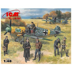 Messerschmitt Bf 109E-2 / With German Pilots and Ground personnel ( WWII ). Escala 1:48. Marca ICM. Ref: 48803.