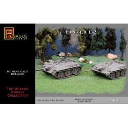 German E-25 Tanks (2). Escala 1:72. Marca Pegasus. Ref: PG7602.