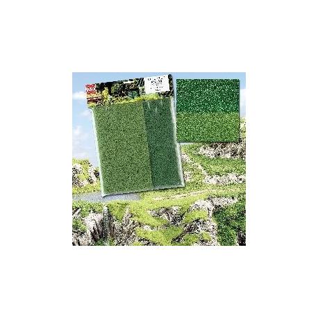 Alfombra flocado dos tonalidades verdes, Marca Busch, Ref: 7385.